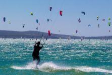 Kitesurfing aneb adrenalinová dovolená u moře